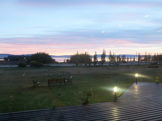 Rochester Hotel Calafate : Argentino lake seen from hotel