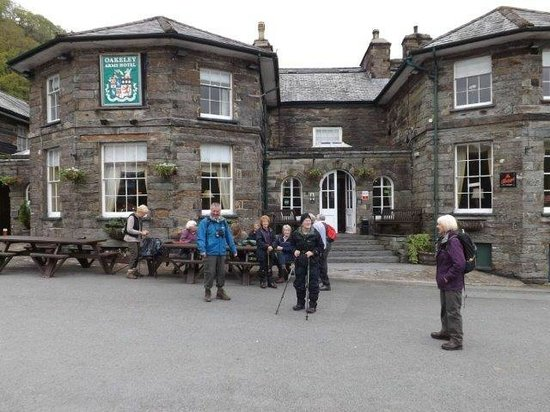 Oakeley Arms Hotel: off on our ramble