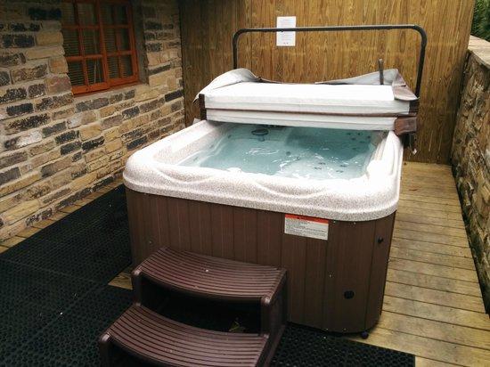 Crab Manor Hotel: Hot Tub at Bird Island