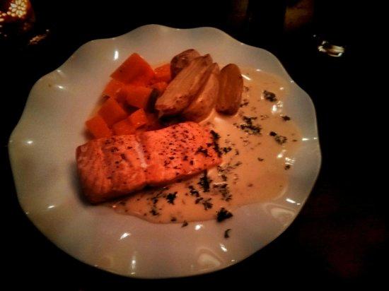 Delicious Salmon - Bild von Emma's Drommekjokken, Troms? - TripAdvisor