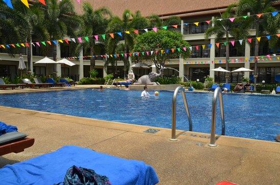 Deevana Patong Resort & Spa: Pool Area