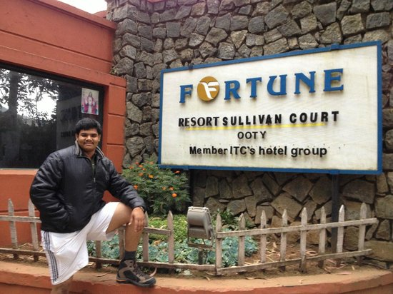 Fortune Hotel Sullivan Court: Hotel Outside (My Cousing)