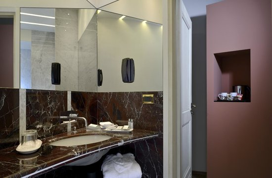 Art Hotel Commercianti: Bagno Junior Suite Deluxe