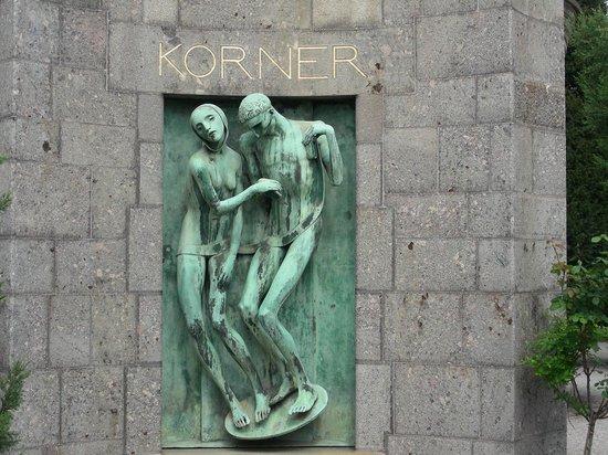 Cimetière Monumental : Edicola Korner- scultura di Adolfo Wildt