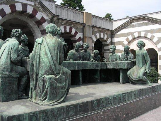 Cementerio Monumental: Edicola Campari -l'ultima cena?