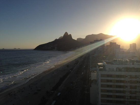 Sol Ipanema Hotel: Sunset from the roof!
