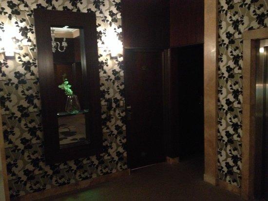Hotel Napoleon: Ingreso a la habitacion