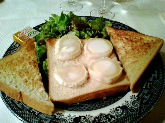 The Tea Caddy: Tartine de chèvre