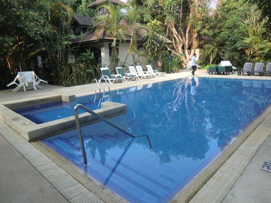 Eurasia Chiang Mai Hotel: pool but looks static