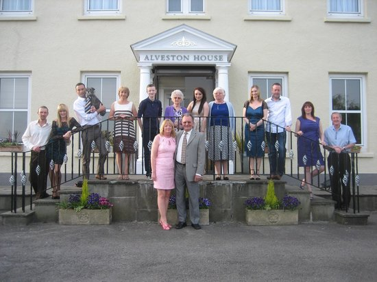 Alveston House Hotel: All our guests outside Hotel