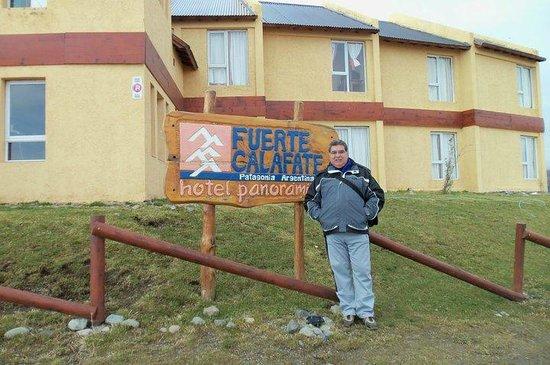 Fuerte Calafate: El frente del hotel