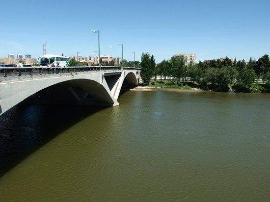 El Ebro: Puente de Santiago