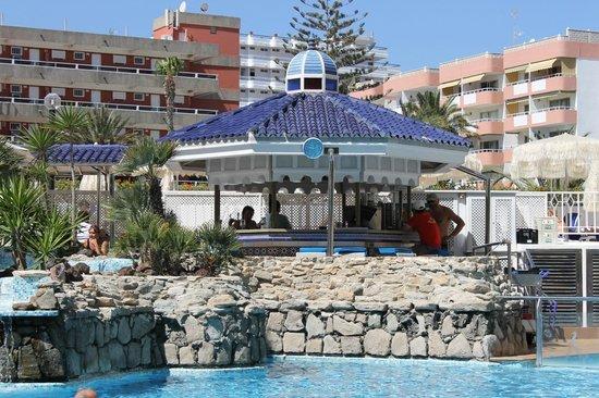 Seaside Sandy Beach : pool bar