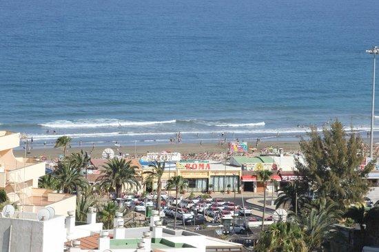Seaside Sandy Beach : view from rear balcony