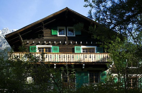 Chalet les Mazots: Summer, balcony with views towards Mont Blanc