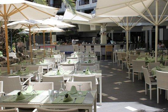 Seaside Sandy Beach: alfresco dining great