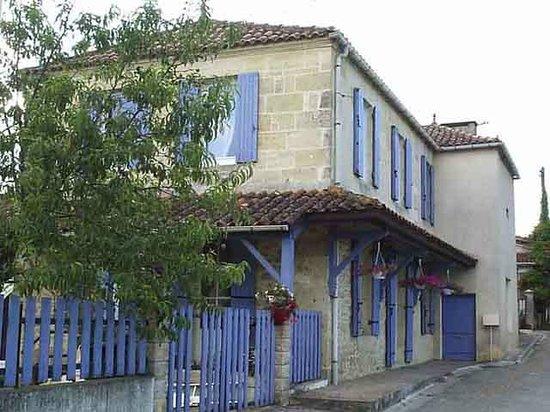 L 39 entr e de la maison picture of retour a la source mauriac tripadvisor - L entree de la maison ...