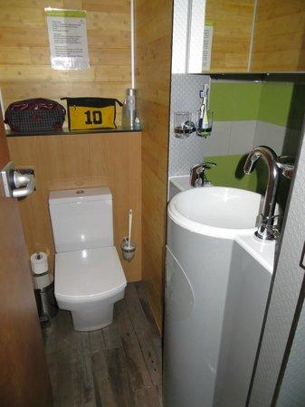 Greenyacht Hotel: Toilette