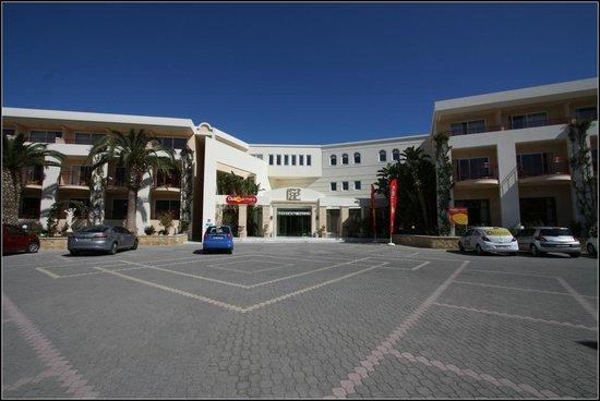 Rethymno Palace : Entrée de l'hôtel