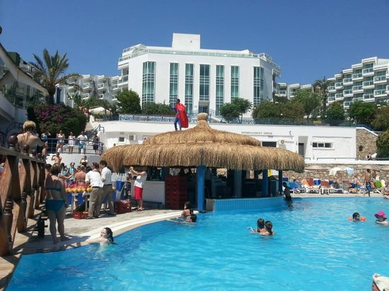 Bodrum Holiday Resort & Spa : Party time