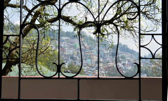 Hotel Holiday Hill at Gangtok: View from a room of Gangtok