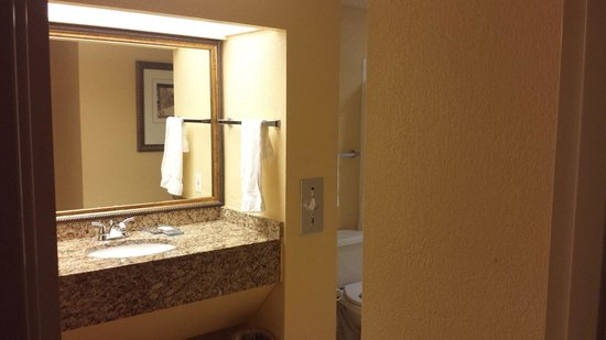 Allure Resort International Drive Orlando: Banheiro.
