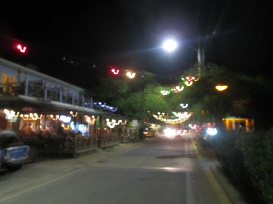 Malecon House: Esperanza's main strip at night.