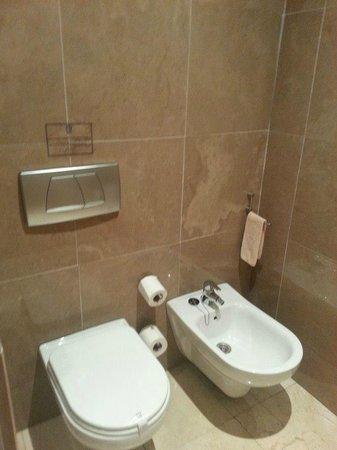 Extremadura Hotel: Separado de la bañera y del lavabo