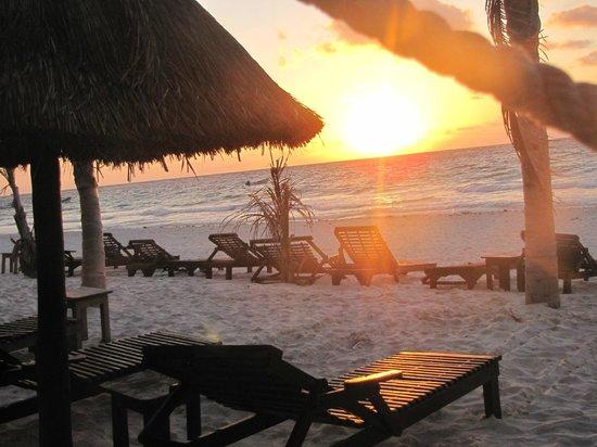 Poc-na Tulum: ALBA in spiaggia