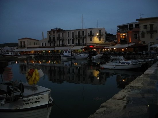 Venetian Harbour: Kvällsvy