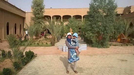 Hotel Nomad Palace: Mon bébé et mois après être chassés des chambre avant 10h du matin