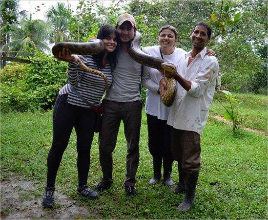 Hotel Pirarucú : Con serpiente