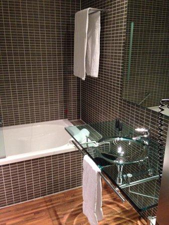 AC Hotel Brescia: Salle de bain