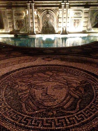 Il Sole: the famous Medusa pool