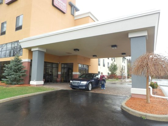 Comfort Suites South: checking out
