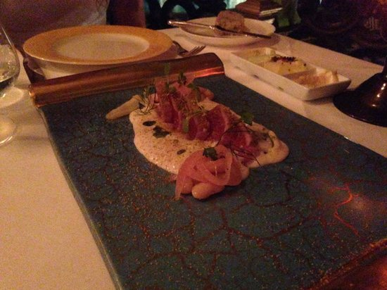 Il Sole: the Ahi Tuna appetizer