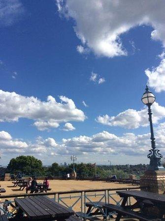 Alexandra Palace: alexandra park