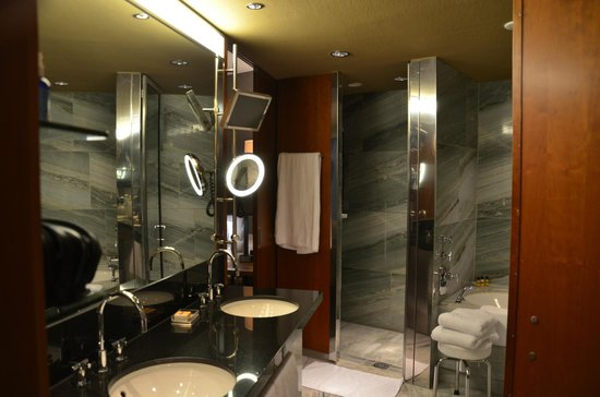 Grand Hyatt Berlin: bathroom