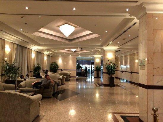 Copthorne Airport Hotel Dubai: Недолгоё ожидание шаттла в аэропорт