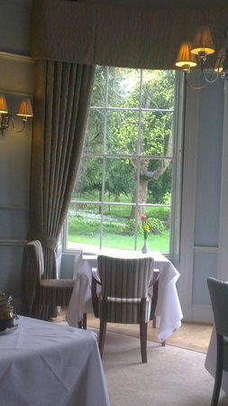 Washingborough Hall Country House Hotel : The dining room at breakfast