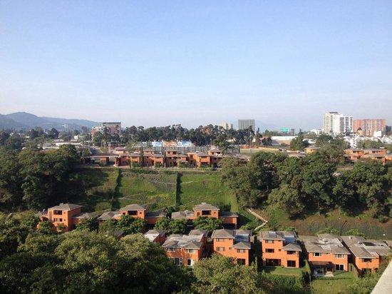 Vista del jard n desde el 7 nivel picture of suites for Bungalows el jardin retalhuleu guatemala