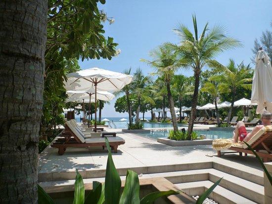 Layana Resort and Spa: Pool Area