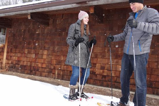 Rochester, MN: Snowshoe at Quarry Hill Nature Center