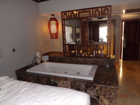 Grand Palladium Bavaro Suites Resort & Spa: interior junior suite de luxe