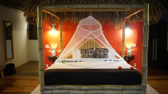 Portofino Beach Resort : romantic room