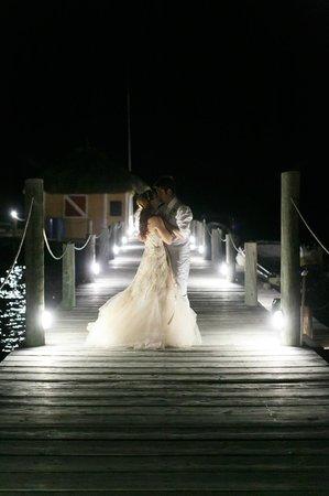 Portofino Beach Resort: photos on the deck -wedding by Alealovely.com
