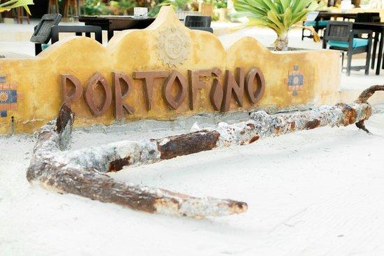 Portofino Beach Resort: wedding wedding by Alealovely.com