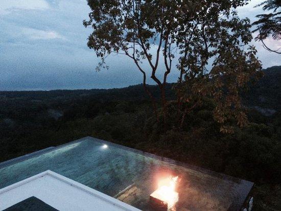 Kura Design Villas Uvita: The view at sunset