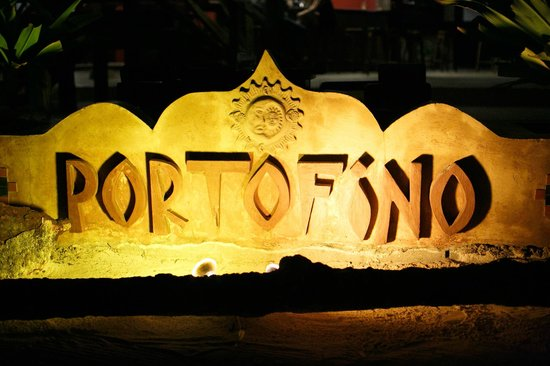 Portofino Beach Resort: wedding by Alealovely.com