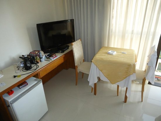 Hotel Cuatro Reyes: quarto